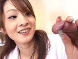 Enfermera japonesa no usa bragas