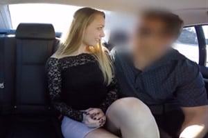 Conductor particular seduce a una pasajera