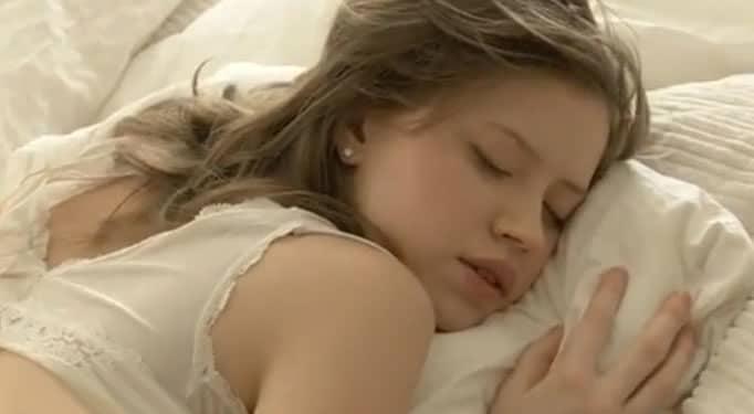 Después de follármela siempre se queda dormida