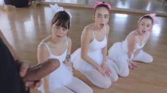 Profesor de ballet se saca la polla delante de sus alumnas