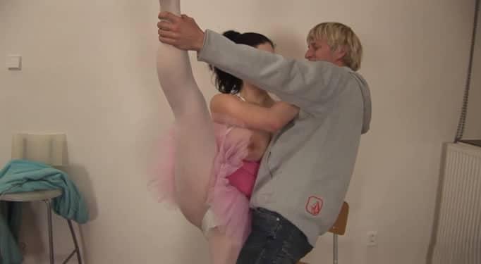 Su amiga quería demostrarle lo bien que sabía bailar, pero…