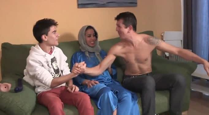 ¡Hoy te vas a follar a una chica árabe campeón!