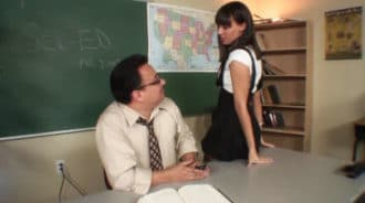 Fantaseaba con follarse a su profesor